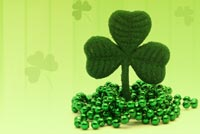 St patricks day email stationery. Falling Green Clovers